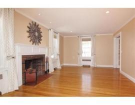 134 fairway living room