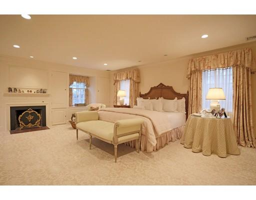 230 Dudley bedroom