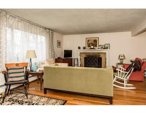 156 Otis living room